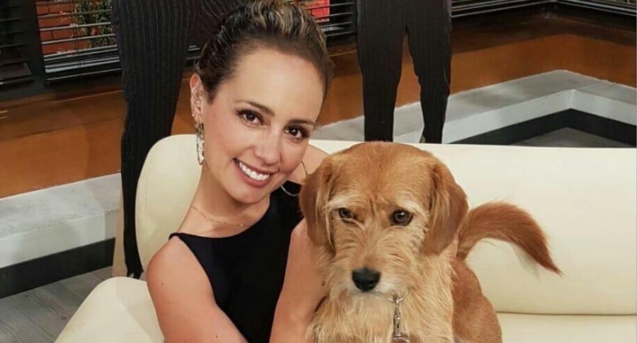 Milena López, presentadora.