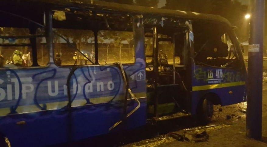 Bus del SITP quemado durante protestas