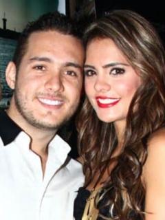 Vaneza Peláez estaba con el (¿ex?) esposo cuando lo capturaron por narcotráfico
