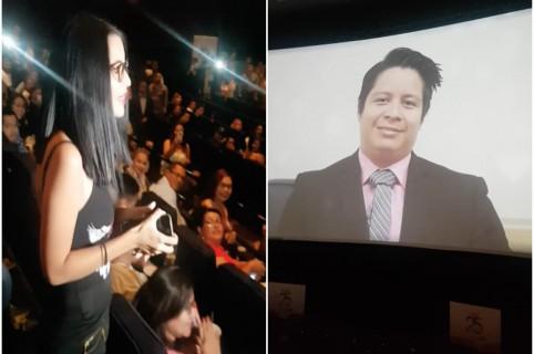 Pareja se compromete en estreno de '50 sombras liberadas'. Pulzo.