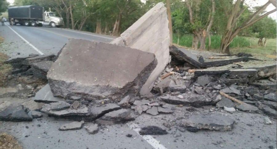 Explosión en vía La Mata - San Roque.