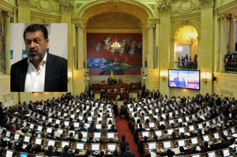Congreso iba a condecorar a Mauricio Parra