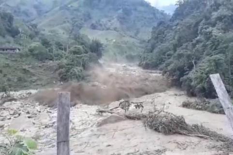 Avalancha en Nariño, Antioquia. Pulzo.