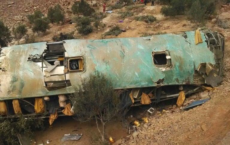 Caída de bus en Perú