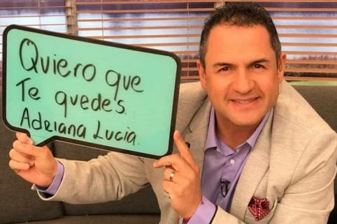 Mauricio Vélez, presentador.