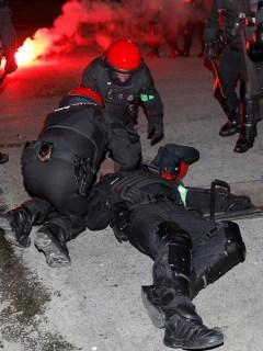 Policía muerto en Bilbao, España.