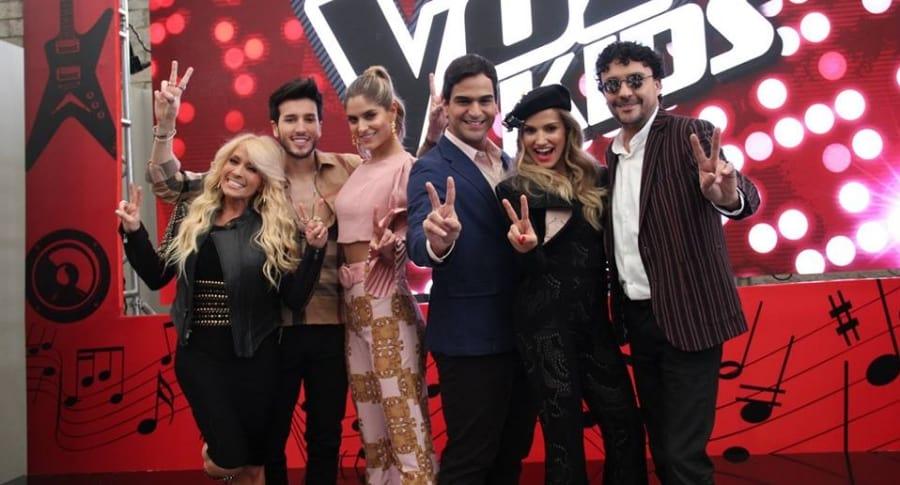 Los cantantes Yuri, Sebastián Yatra, Alejandro palacio, Fany Lu y Andrés Cepeda, y la presentadora Laura Tobón.