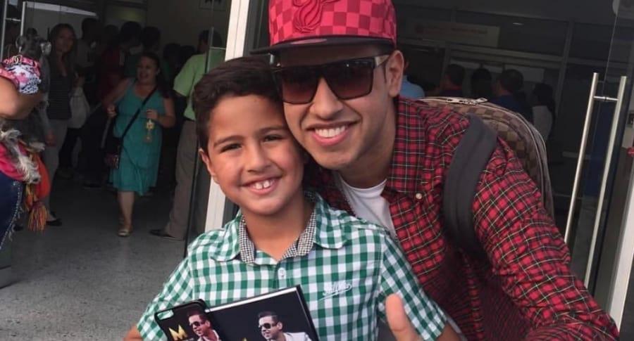 El cantante Martín Elías Díaz (Q.E.P.D.), con su hijo Martincito.