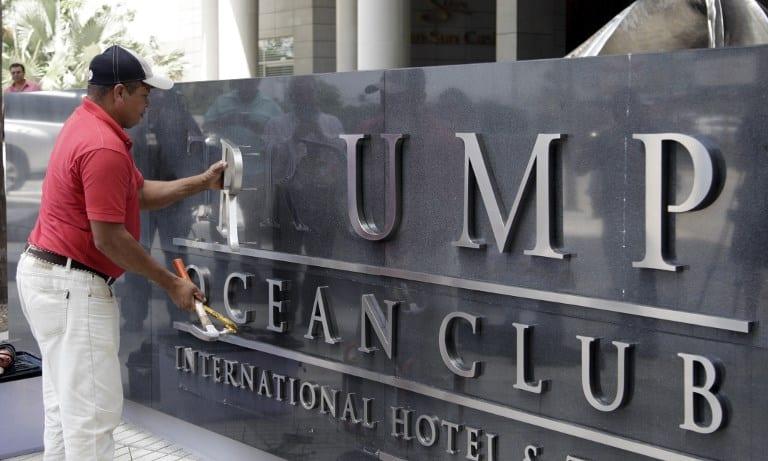 Trabajador quita el nombre de Trump de lujoso hotel en Ciudad de Panamá