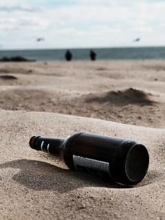 Botella en playa