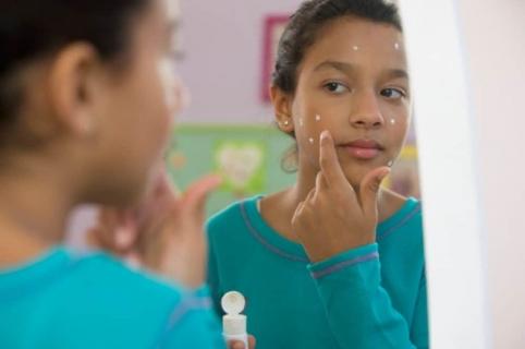 Resultado de imagen para crema dental acne
