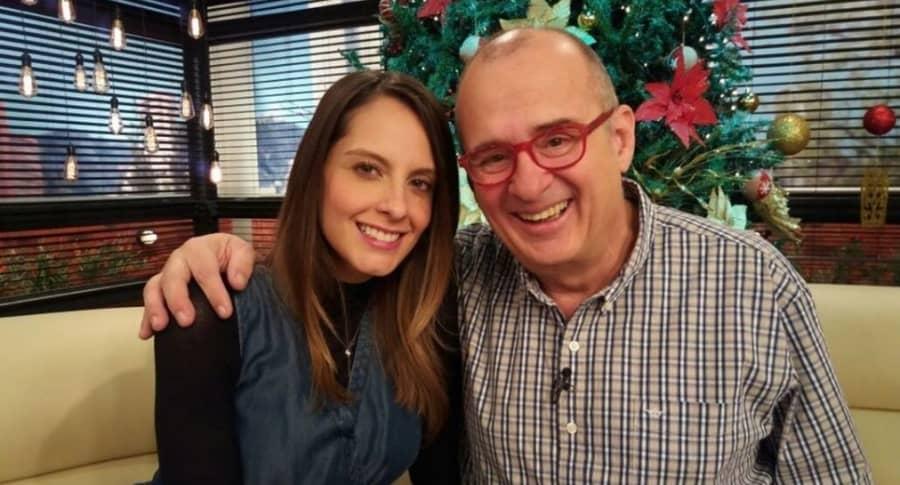 Laura Acuña y Jota Mario Valencia, presentadores.