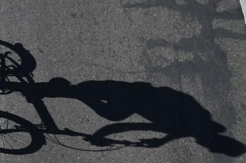 Sombra de ciclista