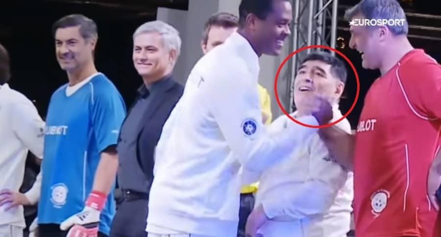 Kluivert ignora a Maradona