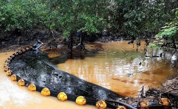 Contaminación en la quebrada La Lizama
