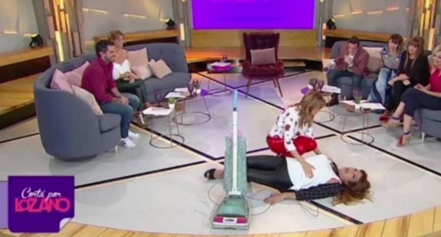 Caída de presentadora argentina.