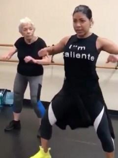 Abuela bailando X