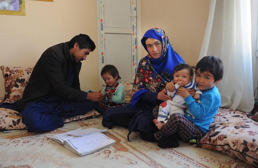 Jahantab Ahmadi y su familia