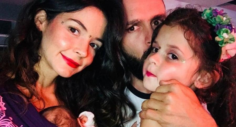 Maleja Restrepo y Tatán Mejía con sus hijas Macarena y Guadalupe