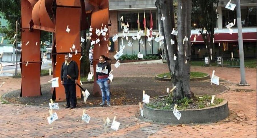 'Árbol de billetes' en parque El Virrey de Bogotá