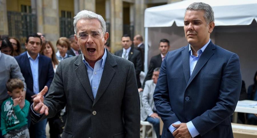 Álvaro Uribe habla por Iván Duque