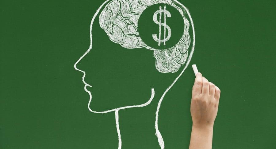 Pensando en dinero, Estafa pensional