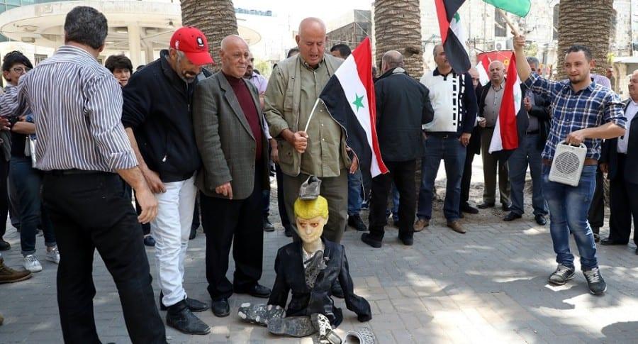 Protestas por ataque de Estados Unidos en Siria.