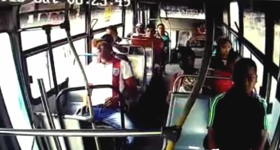 Asaltante en bus