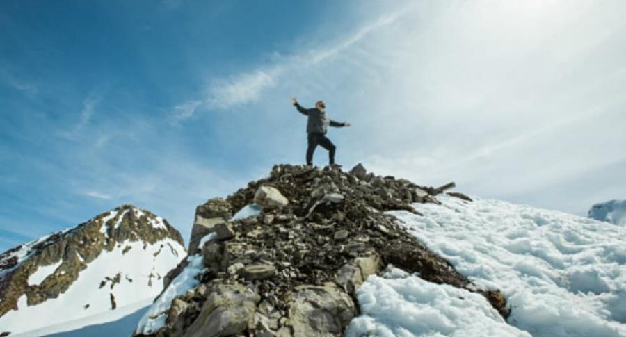 Hombre en los Alpes.