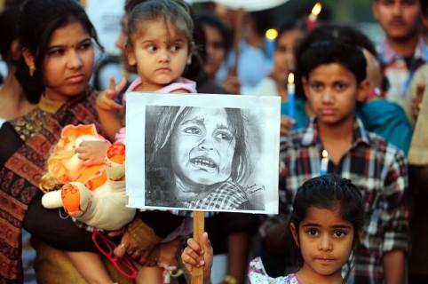 Protestas en india contra el abuso infantil