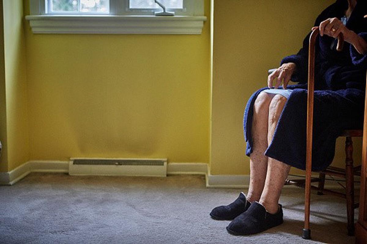 Anciana en una silla