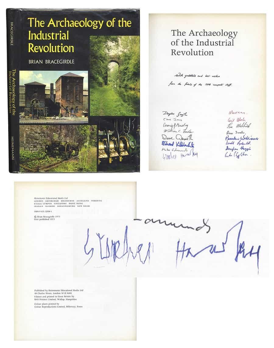 Libro firmado por Stephen Hawking
