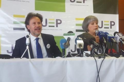 Néstor Raúl Correa y Patricia Linares
