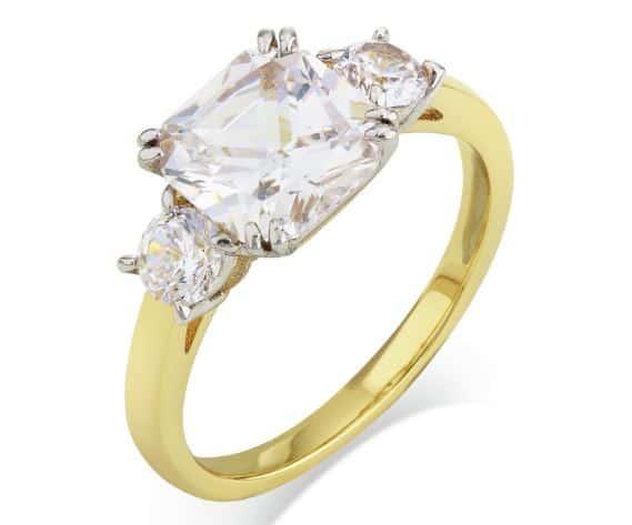 Réplica del anillo de compromiso de Meghan Markle