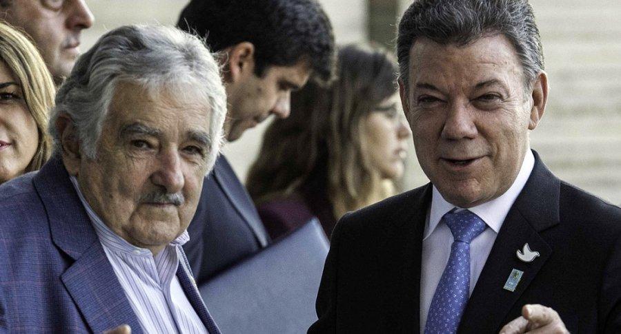 Pepe Mujica, expresidente de Uruguay, y Juan Manuel Santos, presidente de Colombia.