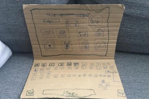 Computador de cartón