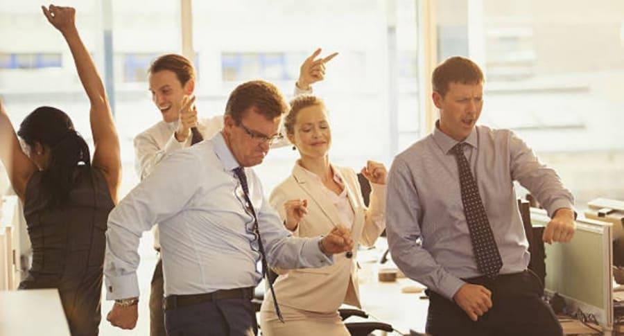 Baile en la oficina