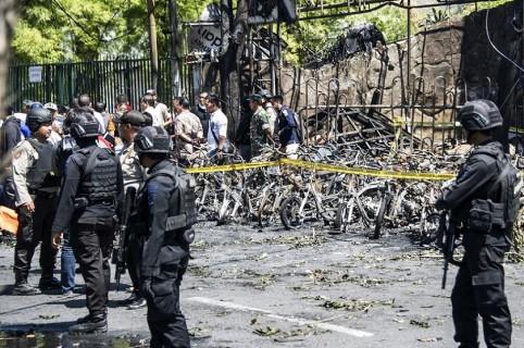 Ataques suicidas a Iglesias en Indonesia