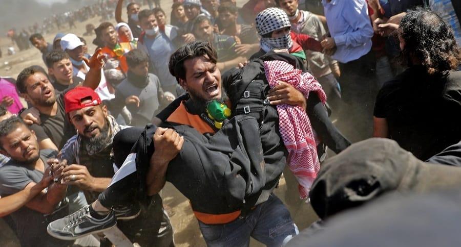 Palestinos heridos en protestas.