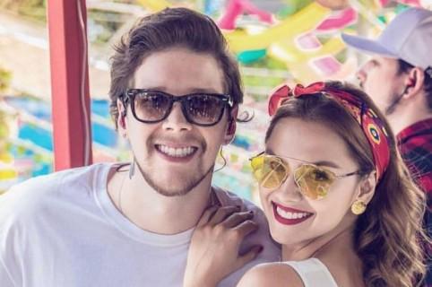 'Dim', cantante de Piso 21, y su novia Danielle Arciniegas