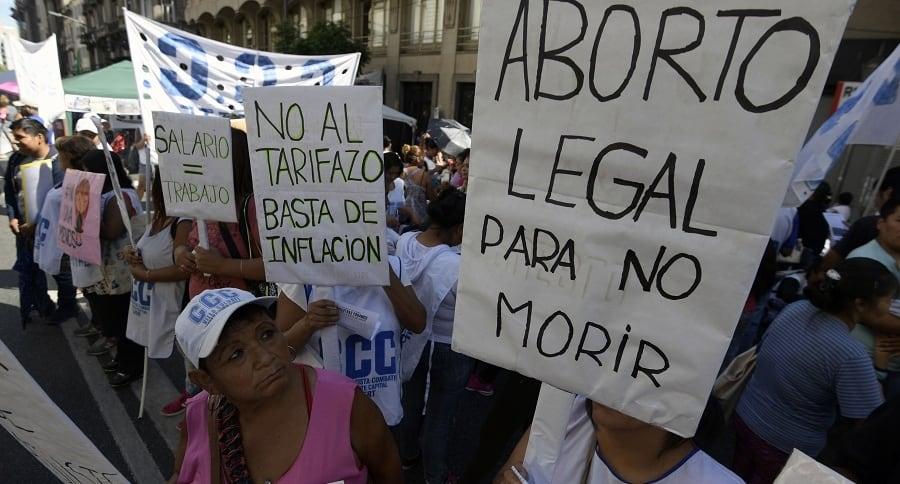 Manifestación en Argentina a favor de legalización del aborto