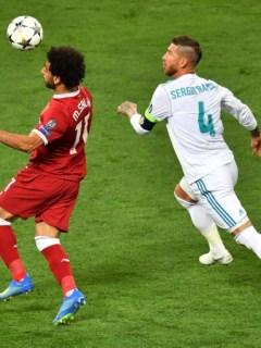 Mohamed Salah y Sergio Ramos en la final de la Champions League
