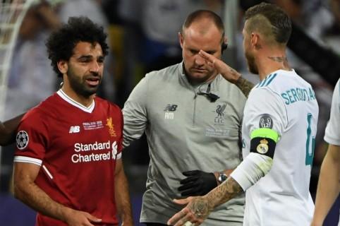 Sergio Ramos y Mohamed Salah