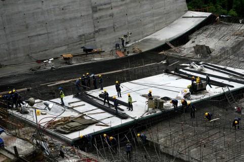 Santos viaja a Ituango para supervisar la crisis en hidroeléctrica