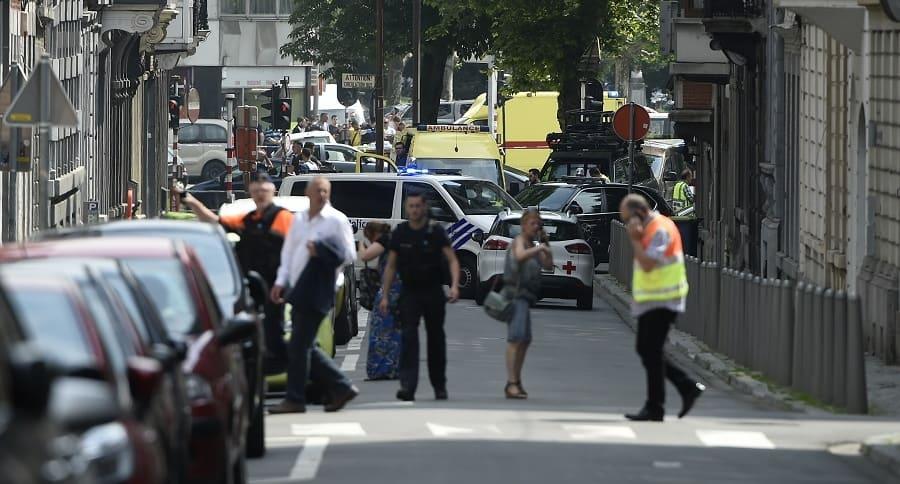 Policía Belga toma el control del lugar del crimen