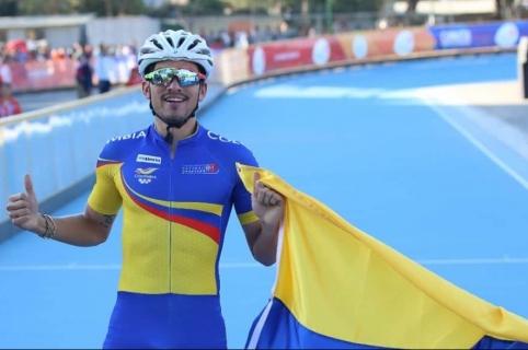 Pedro Causil, oro en Patinaje de carreras