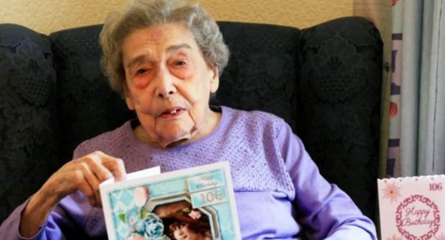 Mujer de 106 años.