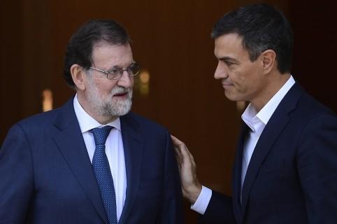 Mariano Rajoy y Pedro Sánchez, en una foto tomada en 2017