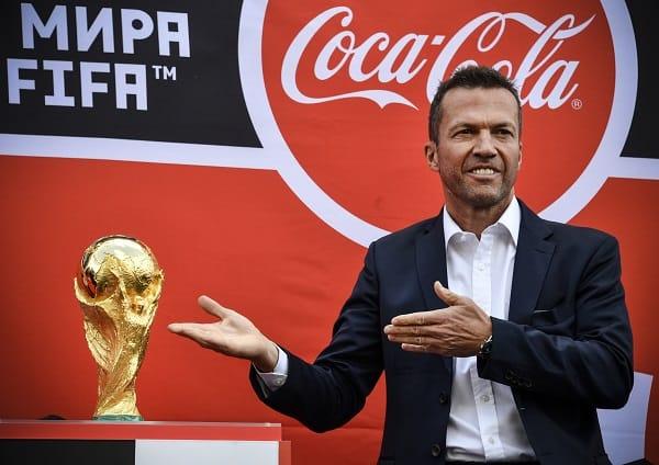 Lothar Matthäus presentando la Copa Mundo