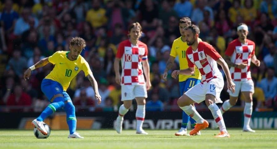 Neymar y Modic en partido amistoso